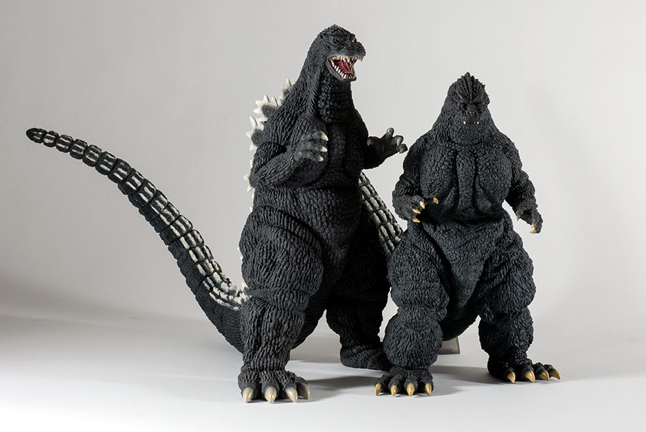 X-Plus Godzilla 1992 size comparison with the Yuji Sakai Godzilla 1991 figure.