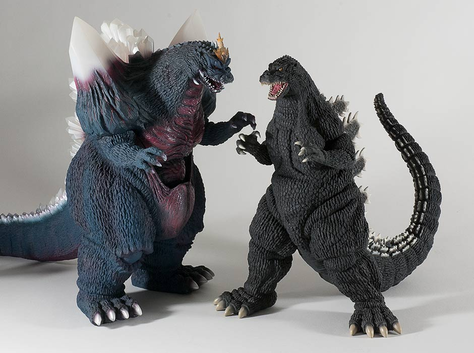 Size comparison with the X-Plus 30cm Series Space Godzilla vinyl.