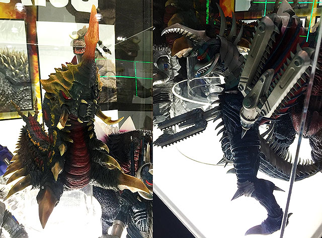 "The Toho 30cm Series Battra Larva and Gigan 2004 ""Rebuilt"" figures by X-Plus are set to be reissued in North America."