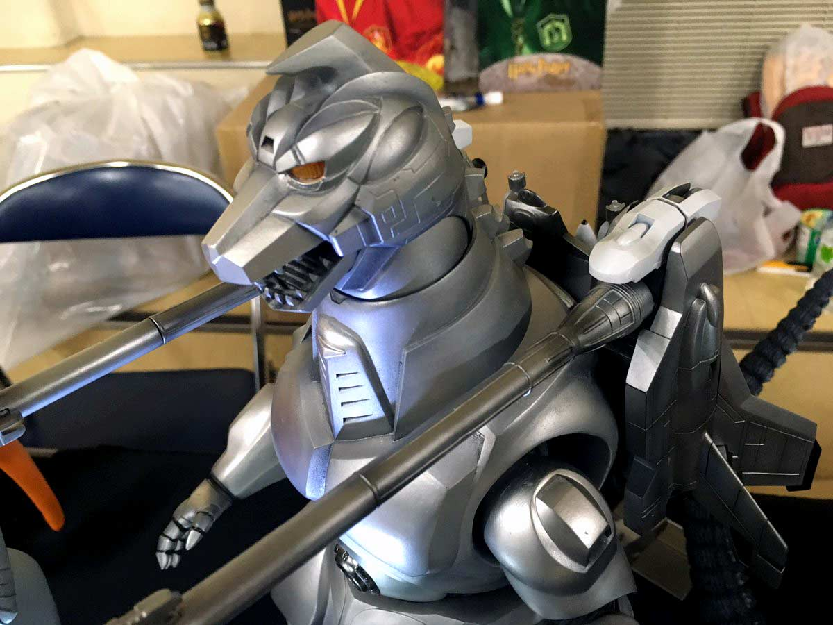 A close-up of the head of the new, upcoming Mechagodzilla II vinyl by X-Plus.