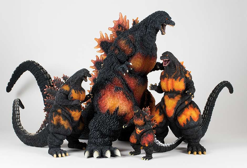 Size comparison with other Burning Godzilla figures.