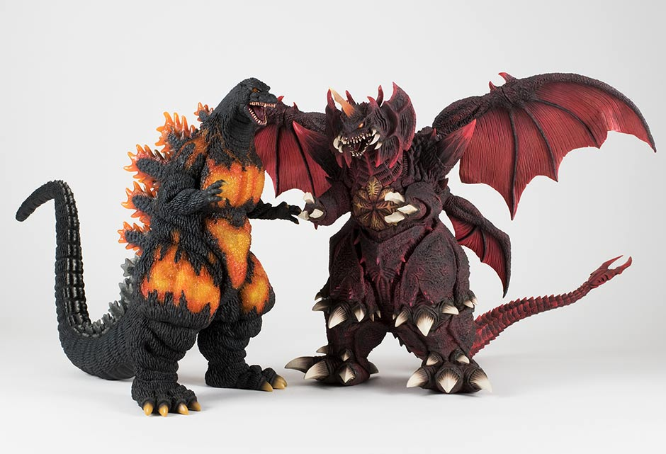 Size comparison with the Large Monster Series Destoroyah.
