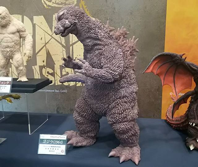 A prototype of the upcoming X-Plus Gigantic Series Godzilla 1964 on display at Wonder Festival.