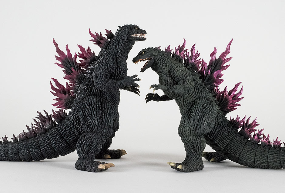 Size comparison with the original 30cm Series Godzilla 1999 Release.