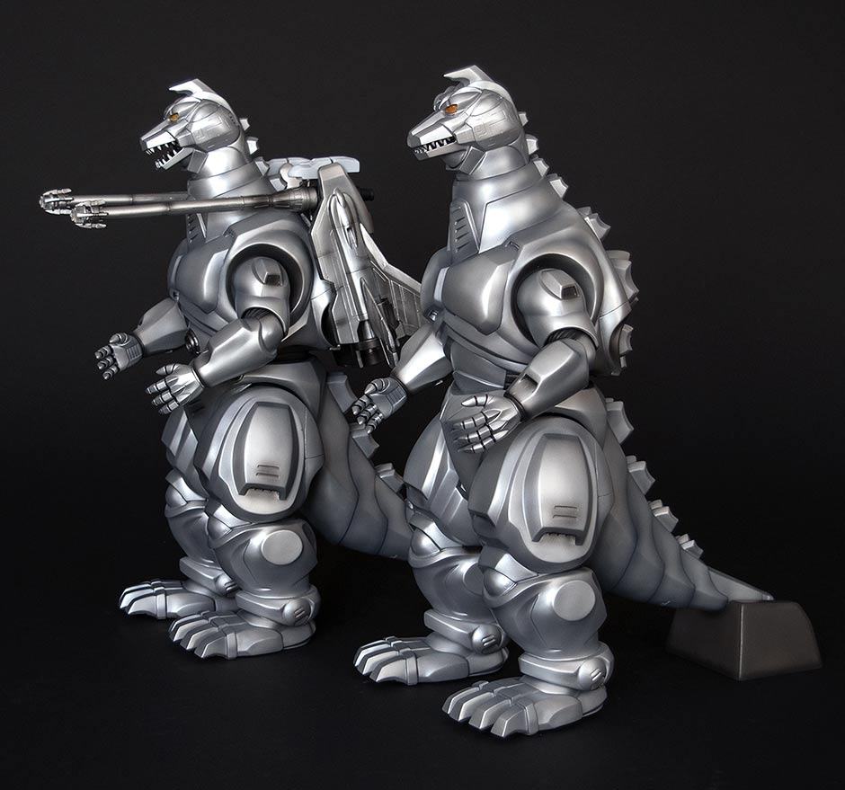 Full length views of both the standard and exclusive versions of the X-Plus Mechagodzilla 1993 vinyl figures.