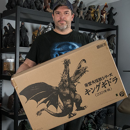 Kaiju Addicts webmaster and reviewer holds the GMK King Ghidorah box for scale.