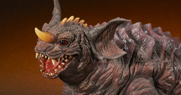 Leslie Chambers Reviews the X-Plus Large Monster Series Mothra 2001 and Baragon 2001 GMK vinyl figure set