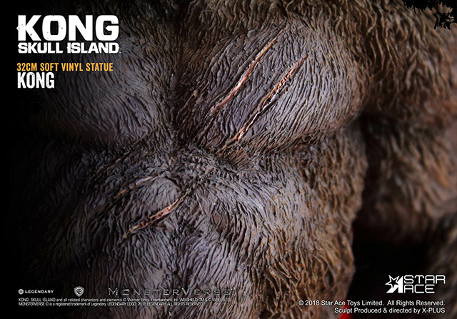 Close-up of Kong's scars.