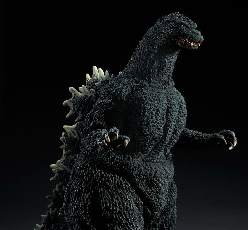 Closer view of the X-Plus Yuji Sakai Godzilla 1989 Osaka Closed Mouth Version vinyl figure.