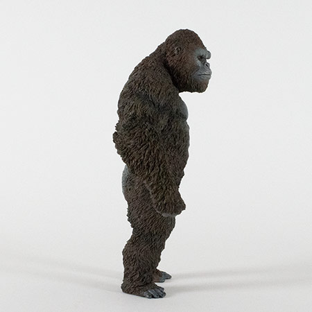 Right side view of the Star Ace Kong Skull Island vinyl statue.