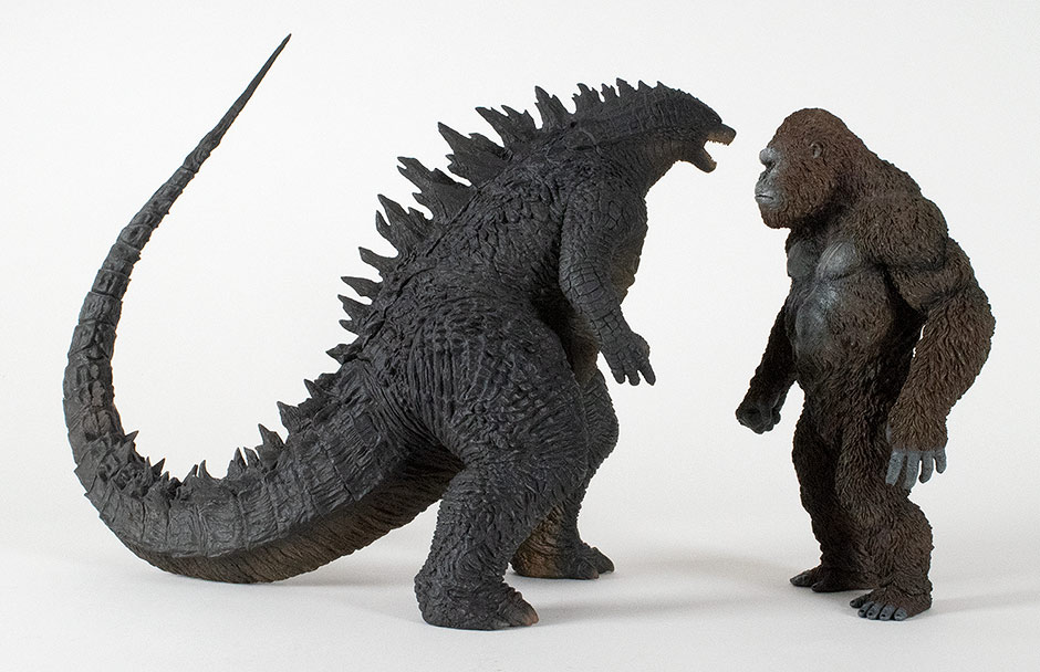 Size comparison with the 30cm Series Godzilla 2014 standard vinyl.