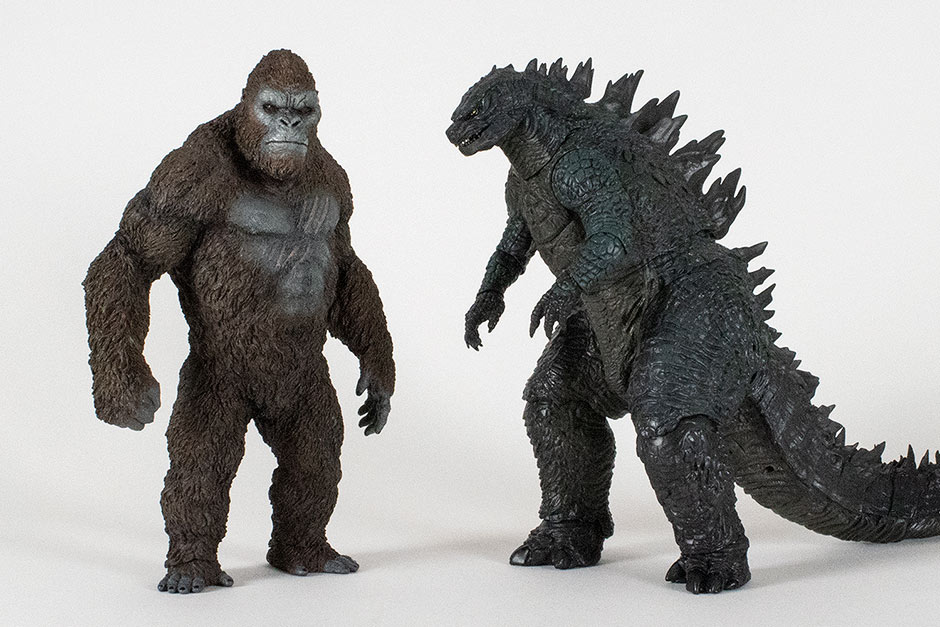 Size comparison with the NECA Godzilla 2014 24 inch Head to Tail figure.