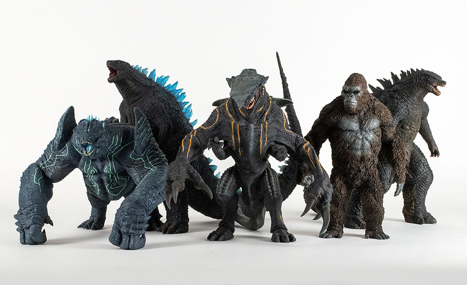 Size Comparison with X-Plus Godzilla 2014, Knifehead and Kong Skull Island figures.
