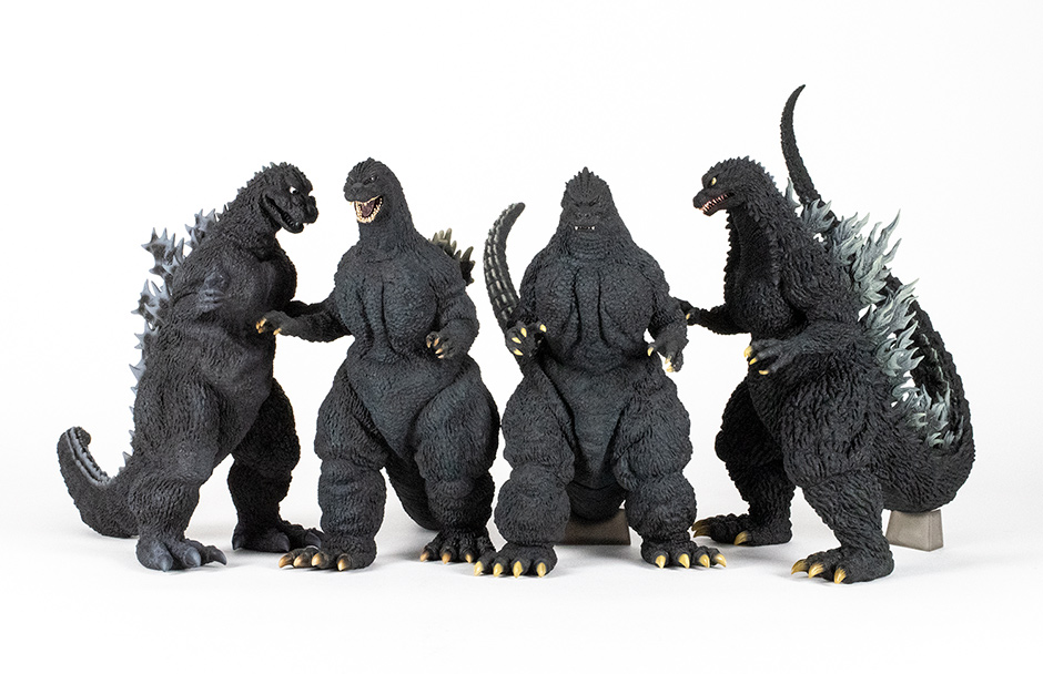 Size comparison between the Yuji Sakai Godzilla 2002 and a group of other Sakai figures by X-Plus.