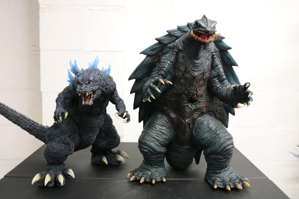 Prime One Studios Gamera 1999 size coparison with X-Plus Gigantic Series Godzilla 2001.