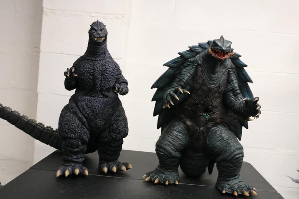 Prime One Studios Gamera 1999 size coparison with X-Plus Gigantic Series Godzilla 1989.