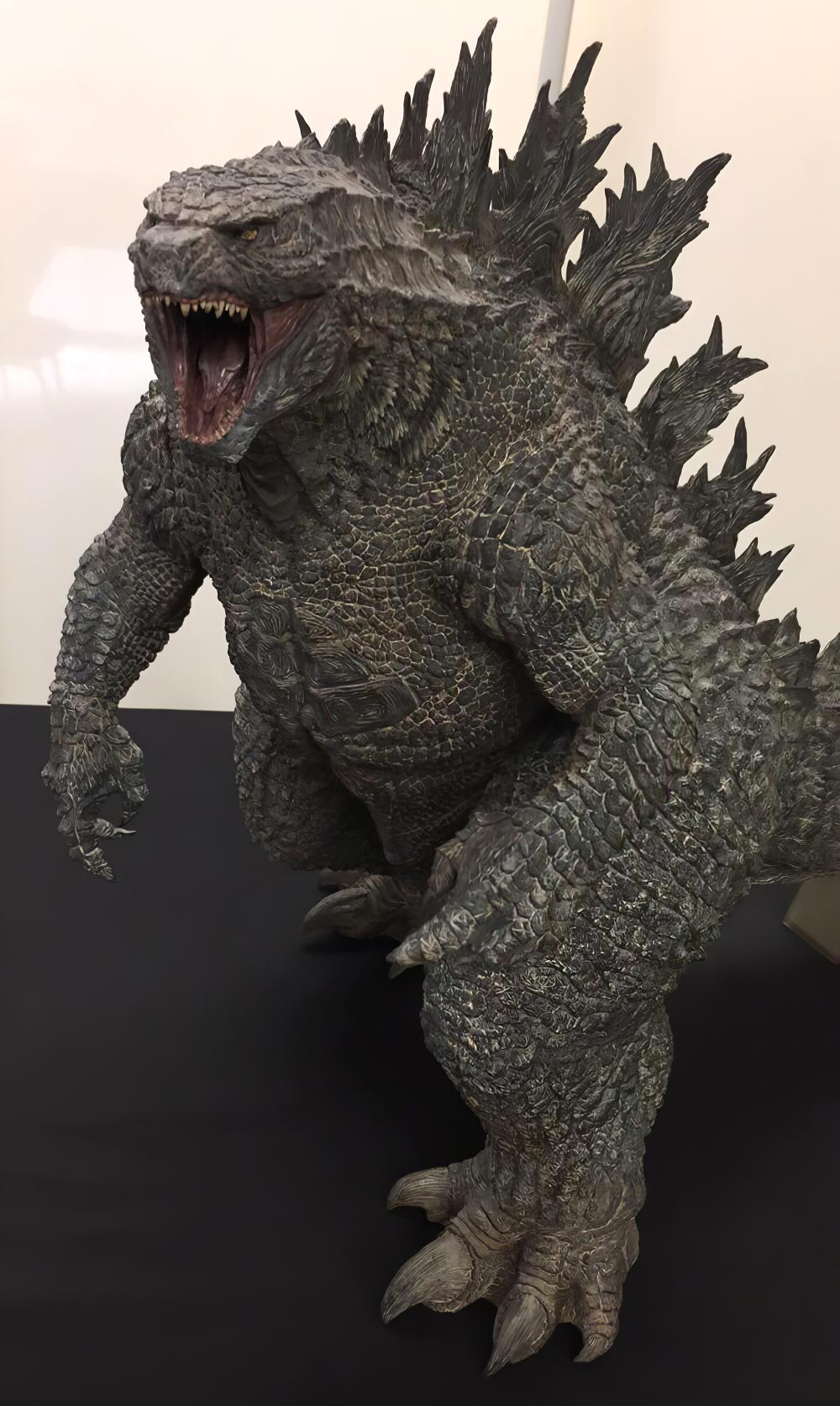 An image of the painted prototype of the X-Plus Gigantic Series Godzilla 2019.