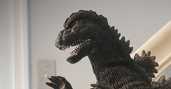 The X-Plus 30cm Series Godzilla 1975 vinyl figure on my desk.