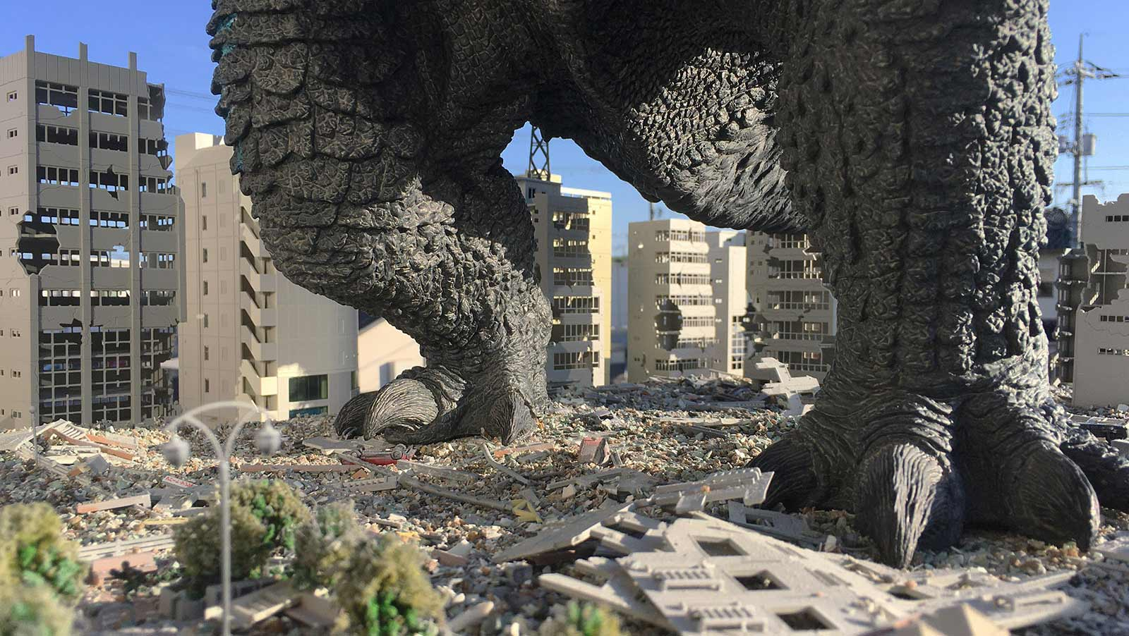 Ted Ekering's Godzilla Diorama is a Smash